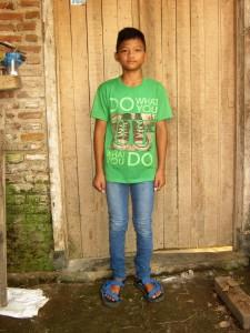 INDRA jongen 13 jaar 1e klas Junior High School