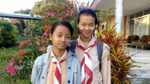 vivian-amarsta-135-and-her-younger-sister-icha